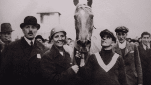 1937---Lata-Brandisová-with-horse